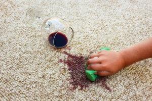 Как отстирать пятна в домашних условиях
